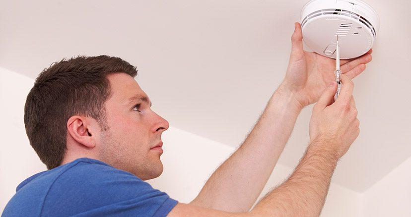 installing carbon monoxide detector