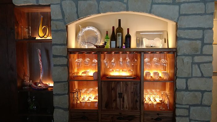 wine case lighting